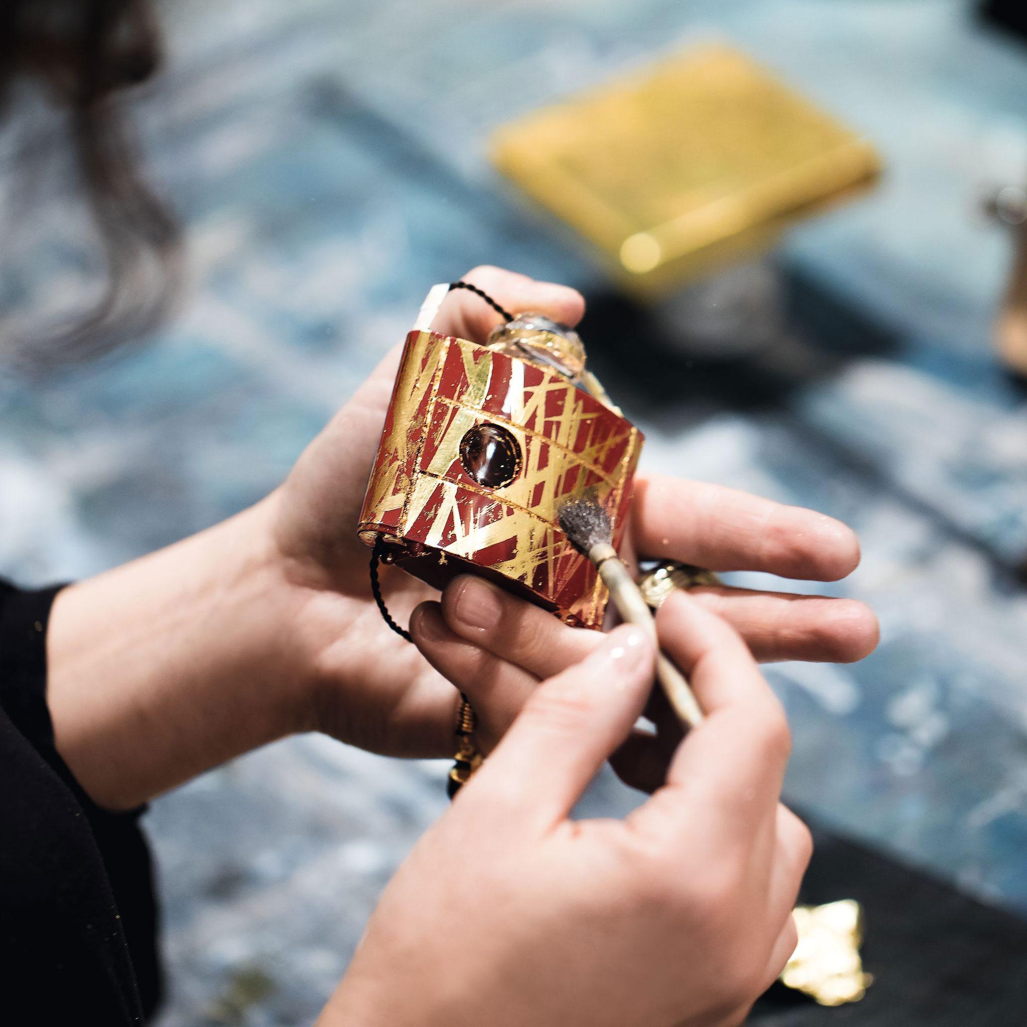 D'opium Célébrer Saint Ans Les Pour Laurent L'or De 40 D'yves rxBoeCdW